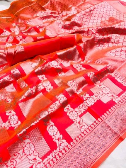 Lichi Silk Silver checks Pattern saree in Red