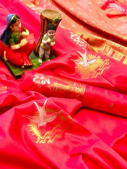 soft lichi silk Traditional saree in Peach