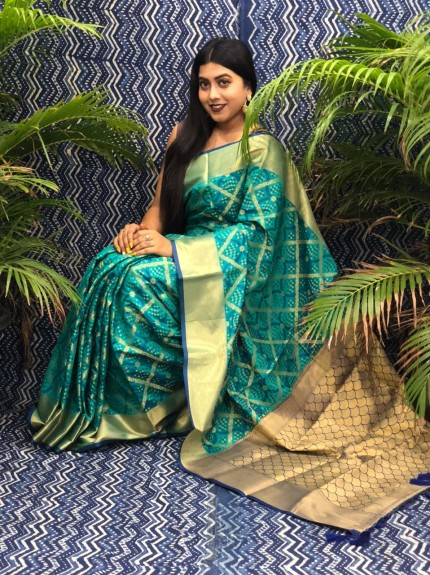 Green Silk Blend Woven Design Patola Saree