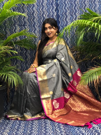 Traditional Kanchipuram silk saree in Grey