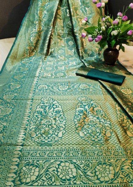 Women's Rama color Banarasi Saree with Blouse Piece