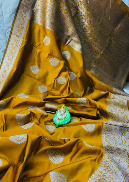 Yellow Banarasi Silk Woven Saree with Silver Zari - gnp006181