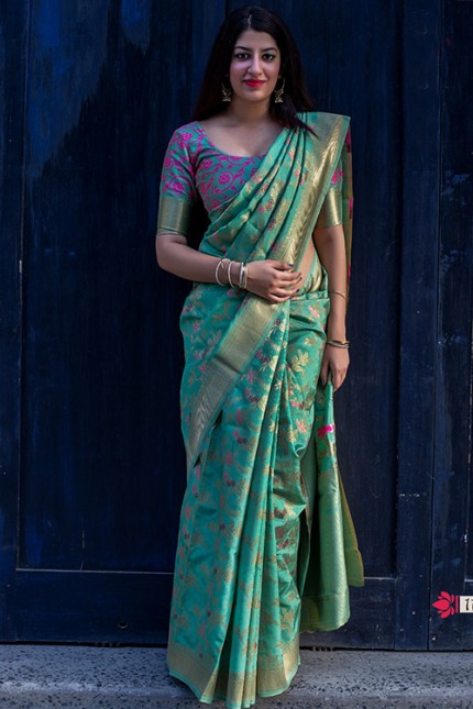 Exclusive Green Hand Woven Pure Soft Silk Saree - gnp006746