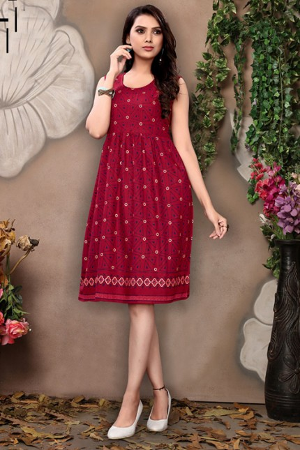 Women's Maroon Colored Rayon Printed Pleated Kurti - gnp006686